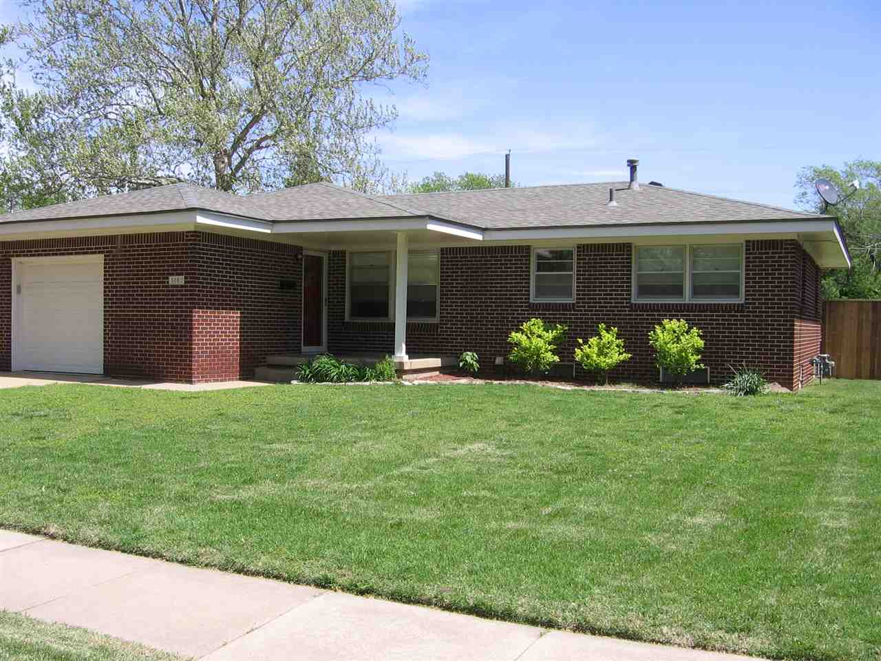 3260 S Oak St, Wichita, KS 67217