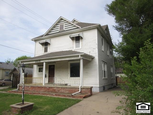1015 N Walnut St, Newton, KS 67114