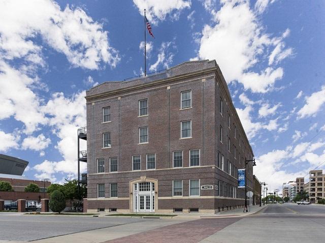 201 S ST FRANCIS ST, Wichita, KS 67202