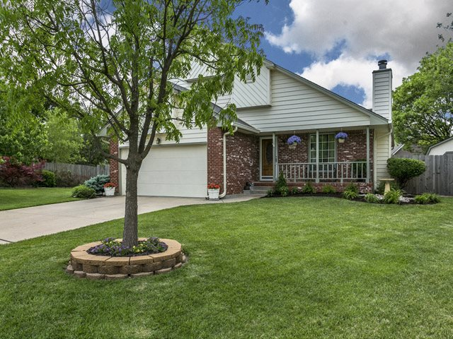 7007 E Woodbury Ct, Wichita, KS 67226