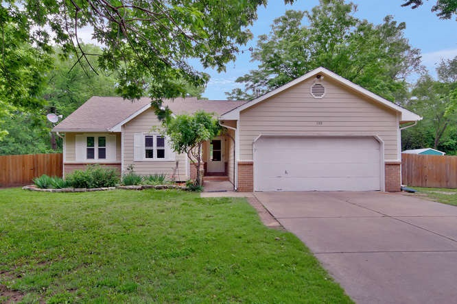 5318 N Armstrong Ave, Wichita, KS 67204