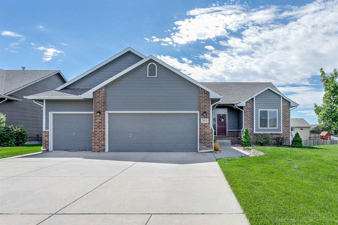 3612 N Forest Ridge Ct, Wichita, KS 67205