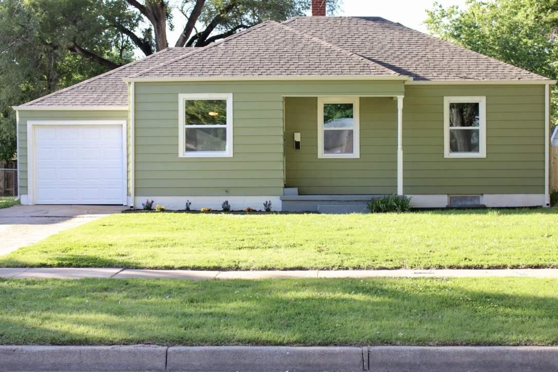 2214 E Menlo St, Wichita, KS 67211