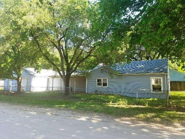 354 N Tracy St, Wichita, KS 67212