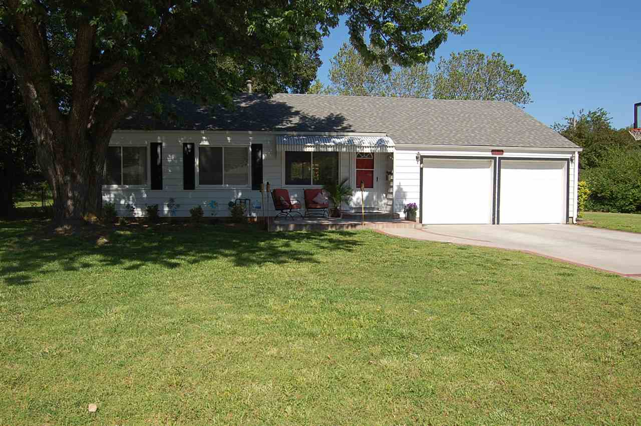 1517 N Pleasantview Dr, Wichita, KS 67203