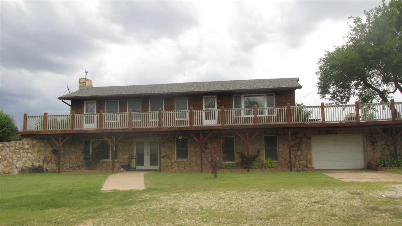 11613 E Silver Lake Rd., Mount Hope, KS 67108