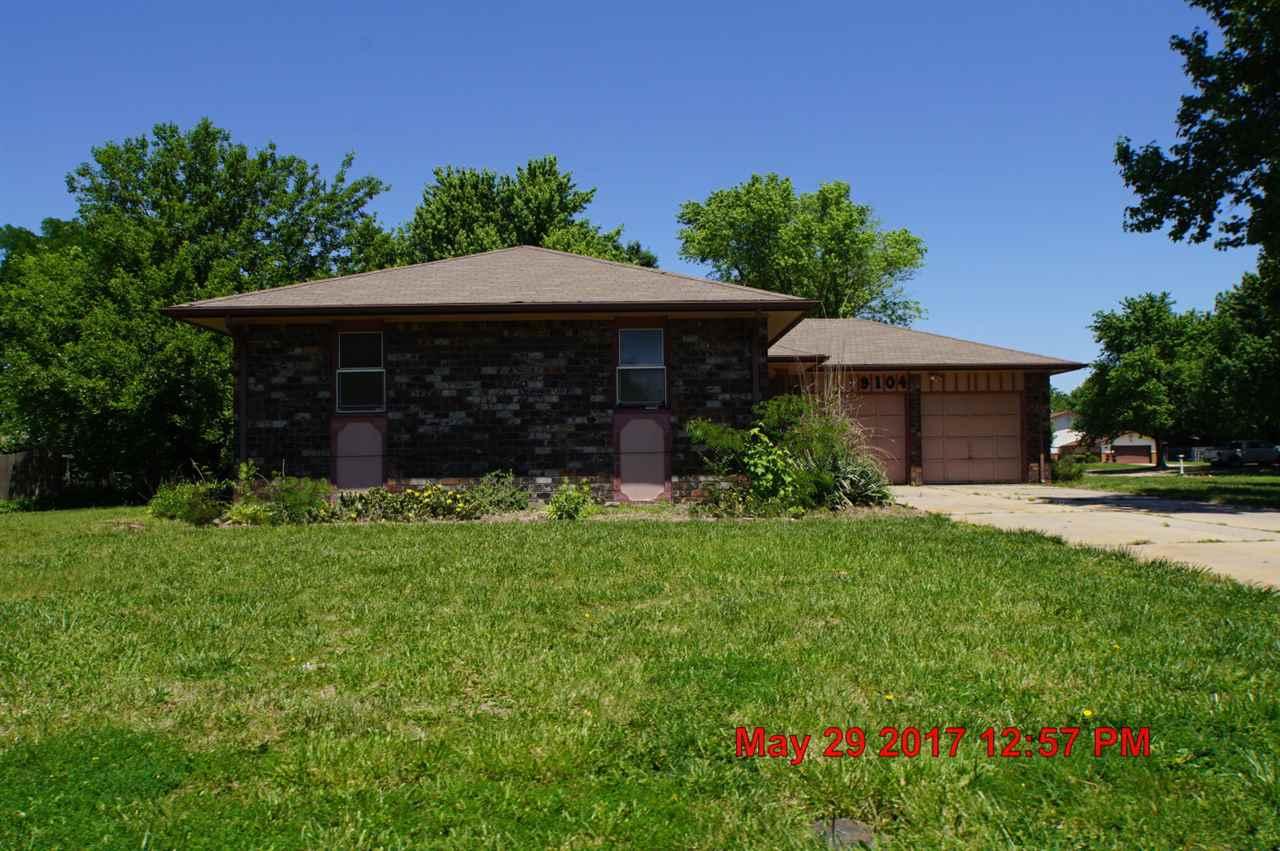 9104 W Nantucket Ln, Wichita, KS 67212