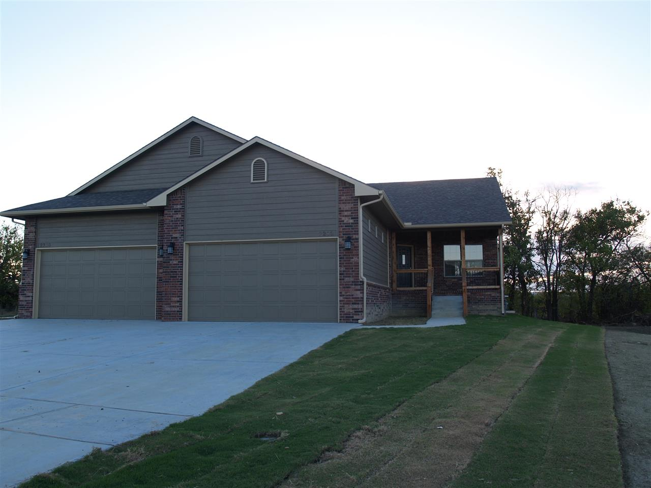 2210 E Quivira Circle, Kechi, KS 67226