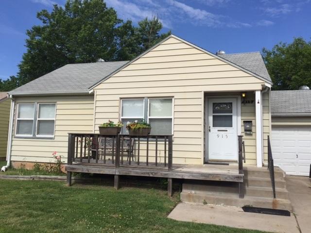 915 N Parkwood Ln, Wichita, KS 67208