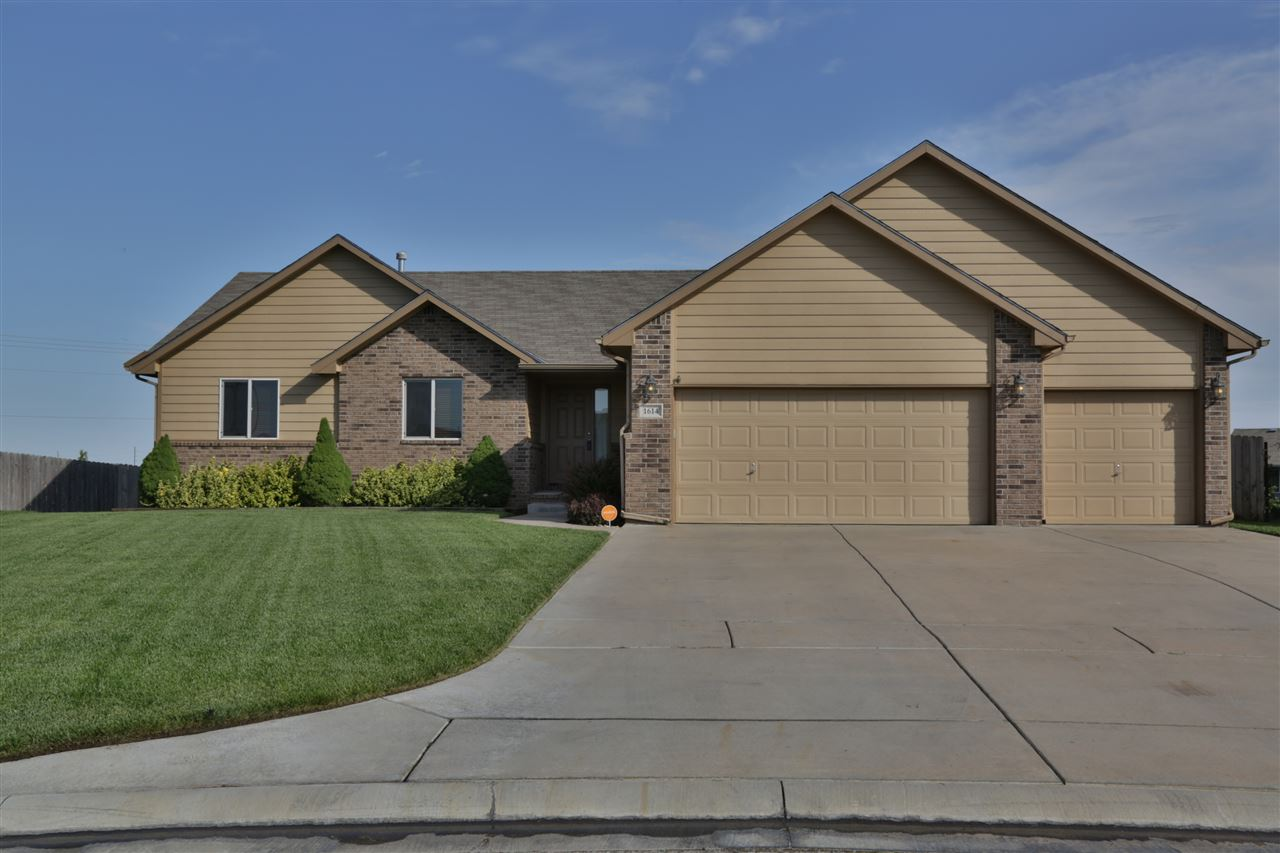 1614 N Nickelton Cir, Wichita, KS 67235