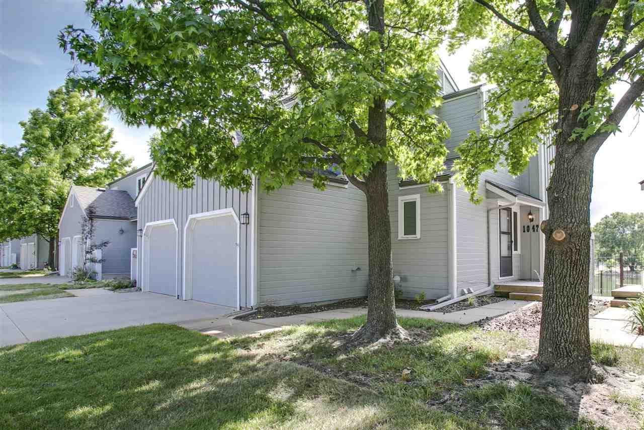1047 N Lakewind St, Wichita, KS 67212
