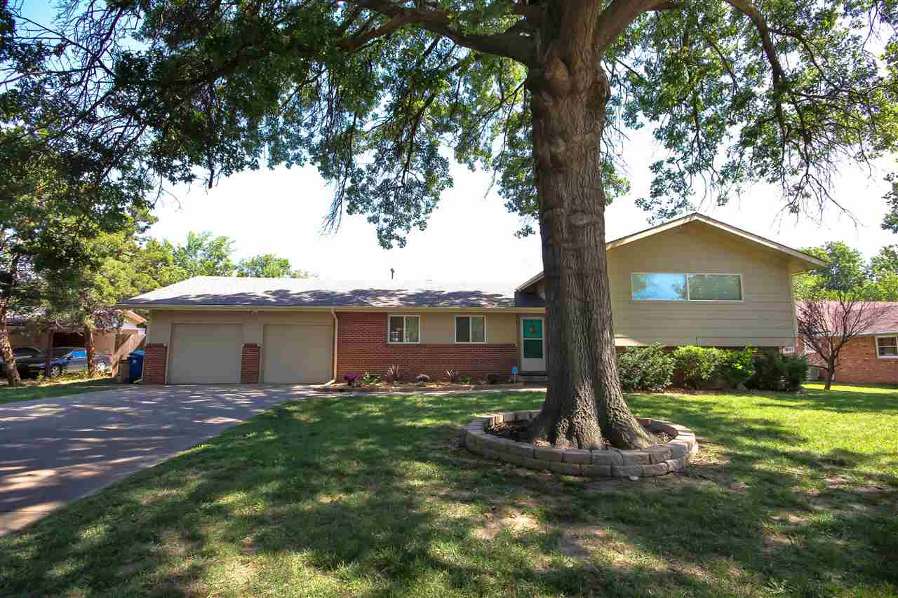8026 E Lynwood St, Wichita, KS 67207