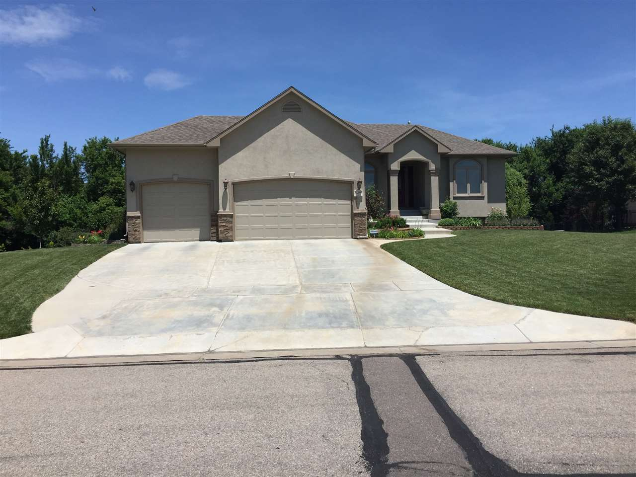 12548 E Killarney, Wichita, KS 67206