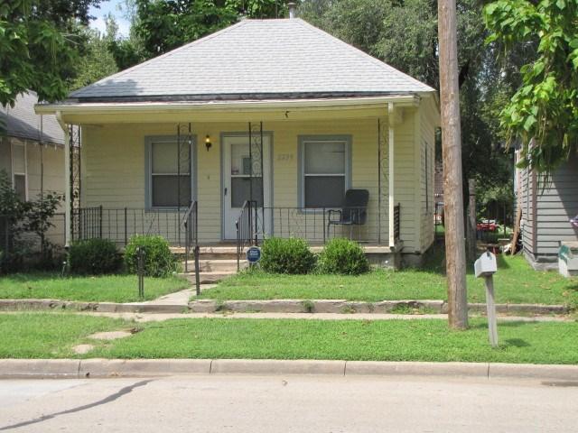 2239 N PARK PL, Wichita, KS 67204