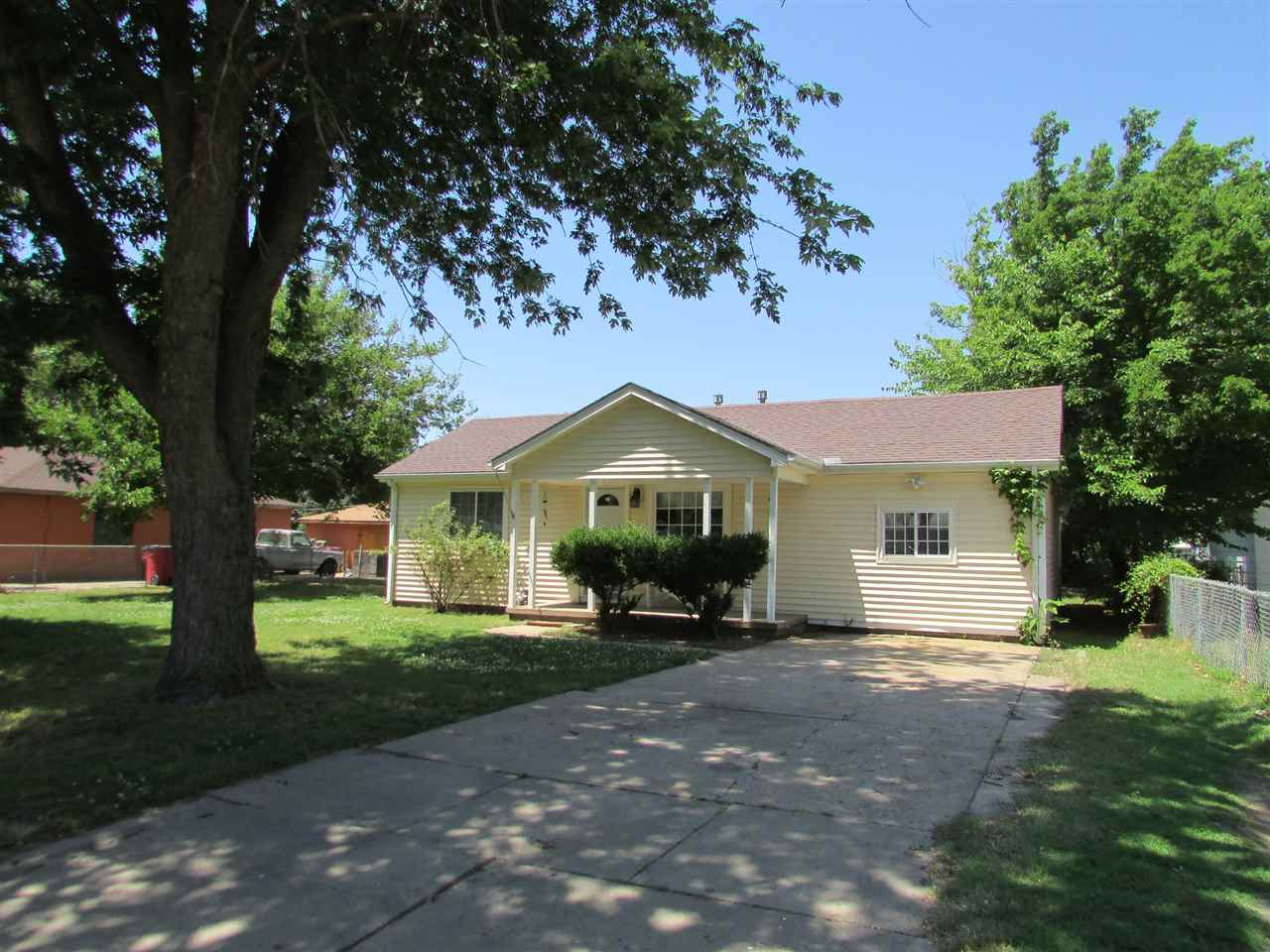 917 Anna, Wichita, KS 67212