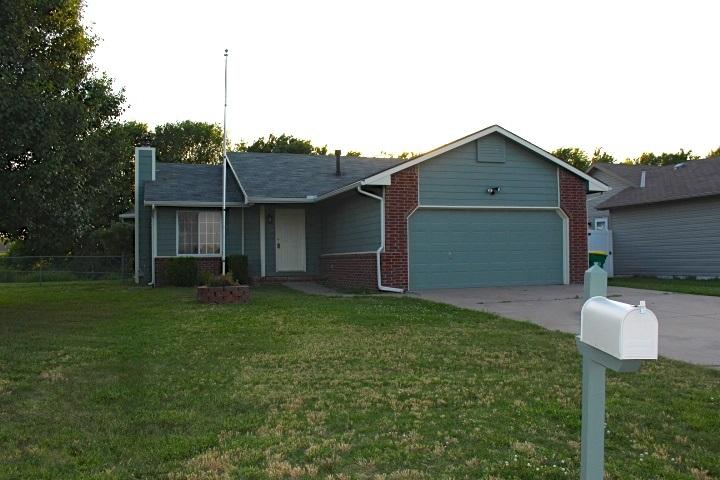 741 N Meadow Rd, Valley Center, KS 67147