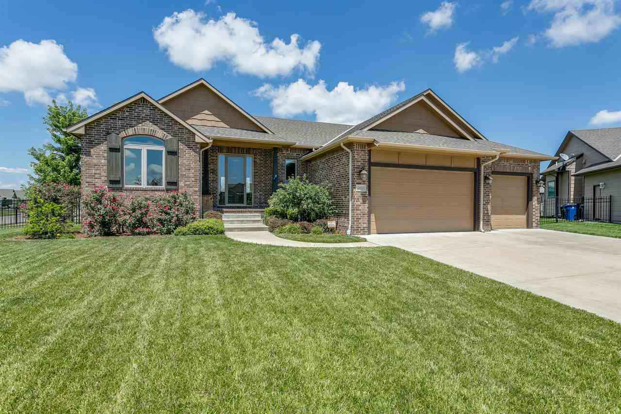 2422 N Graystone Ct, Wichita, KS 67228