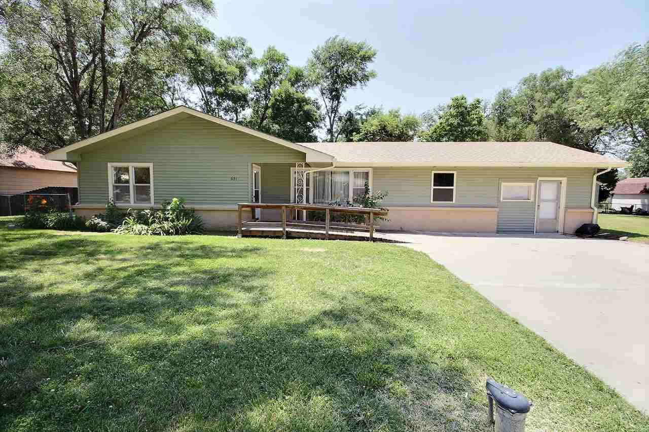 651 S Westfield Ave, Wichita, KS 67209