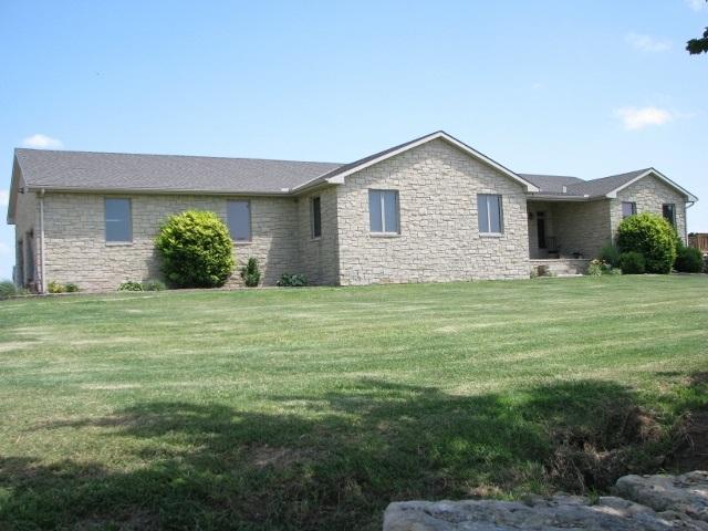 19508 101st Rd, Winfield, KS 67156