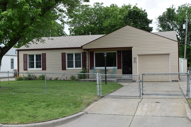 3157 S Fern Ave, Wichita, KS 67217