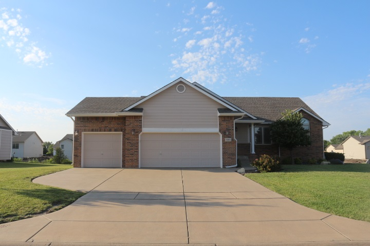9402 E 43rd. Cir. N., Wichita, KS 67226