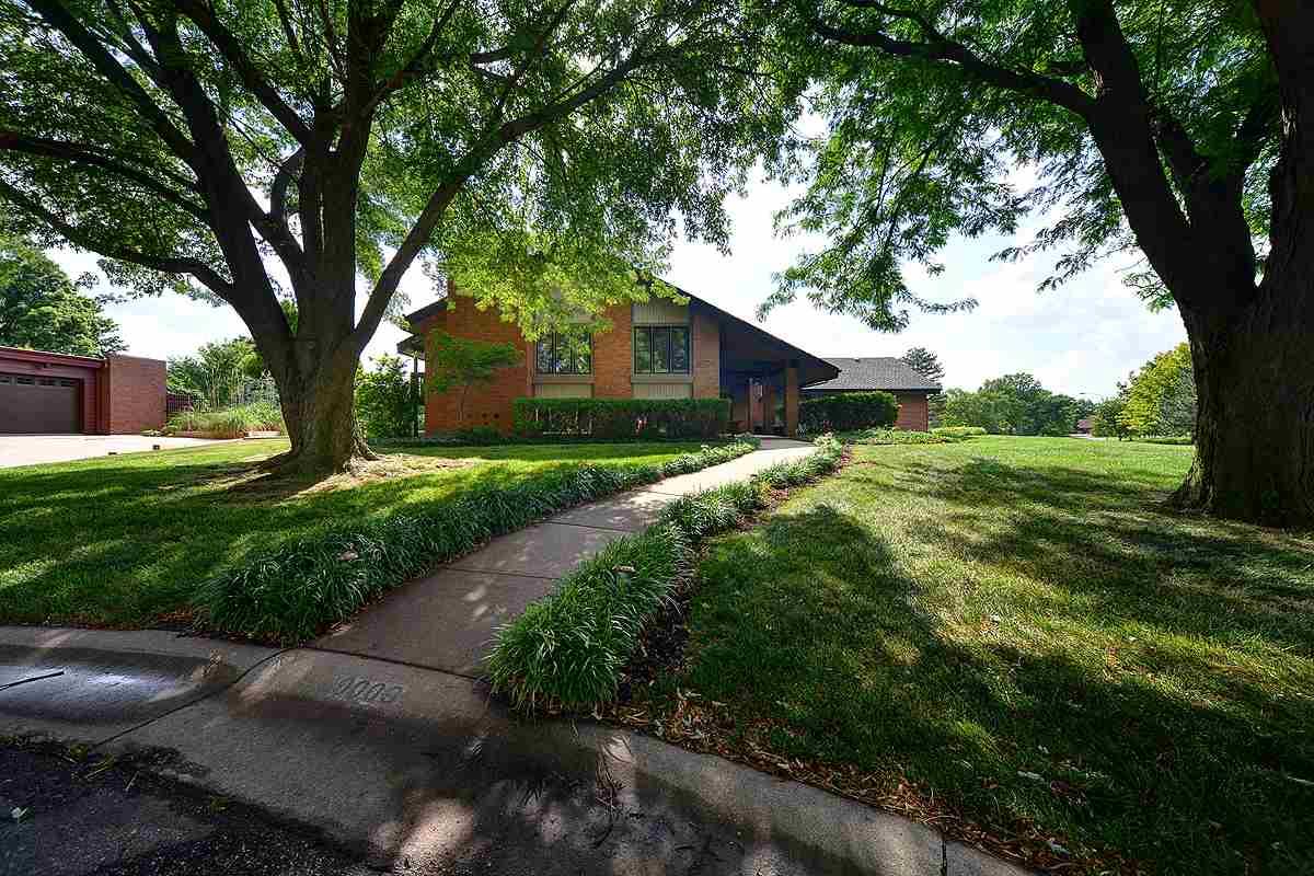 9009 E Boxthorn Ct, Wichita, KS 67226