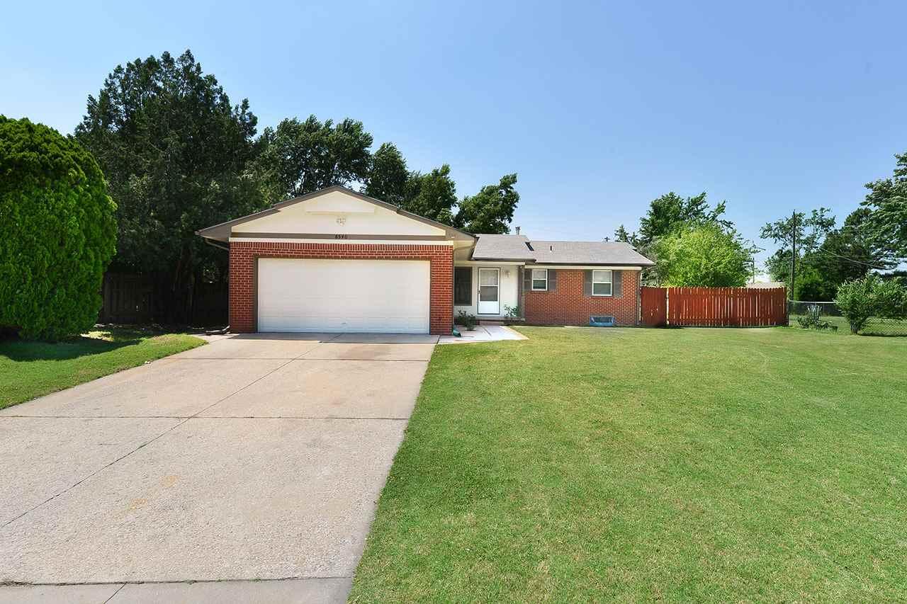 8540 W HICKORY LN, Wichita, KS 67212