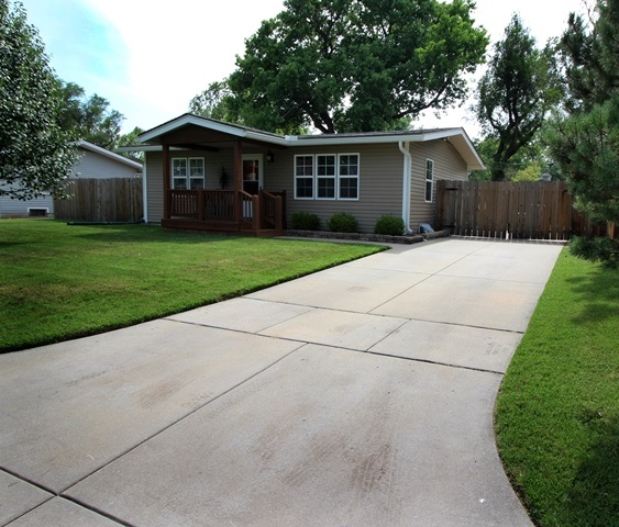 3329 S Edwards, Wichita, KS 67217
