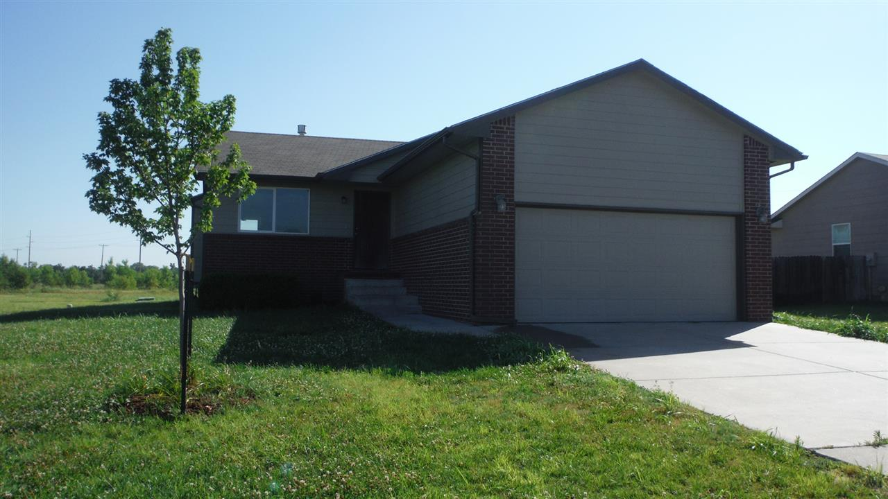 5414 S Elmhurst Circle, Wichita, KS 67216