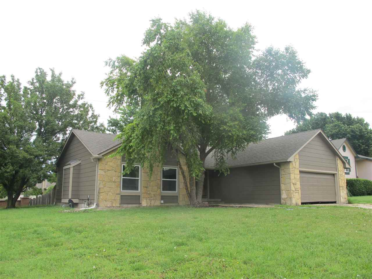 13900 E Lockmoor Circle, Wichita, KS 67230
