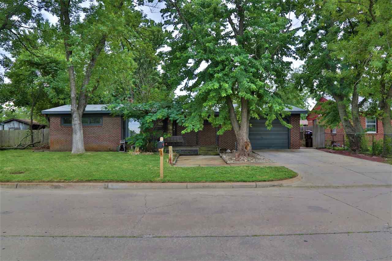 1313 W Brady St, Wichita, KS 67204