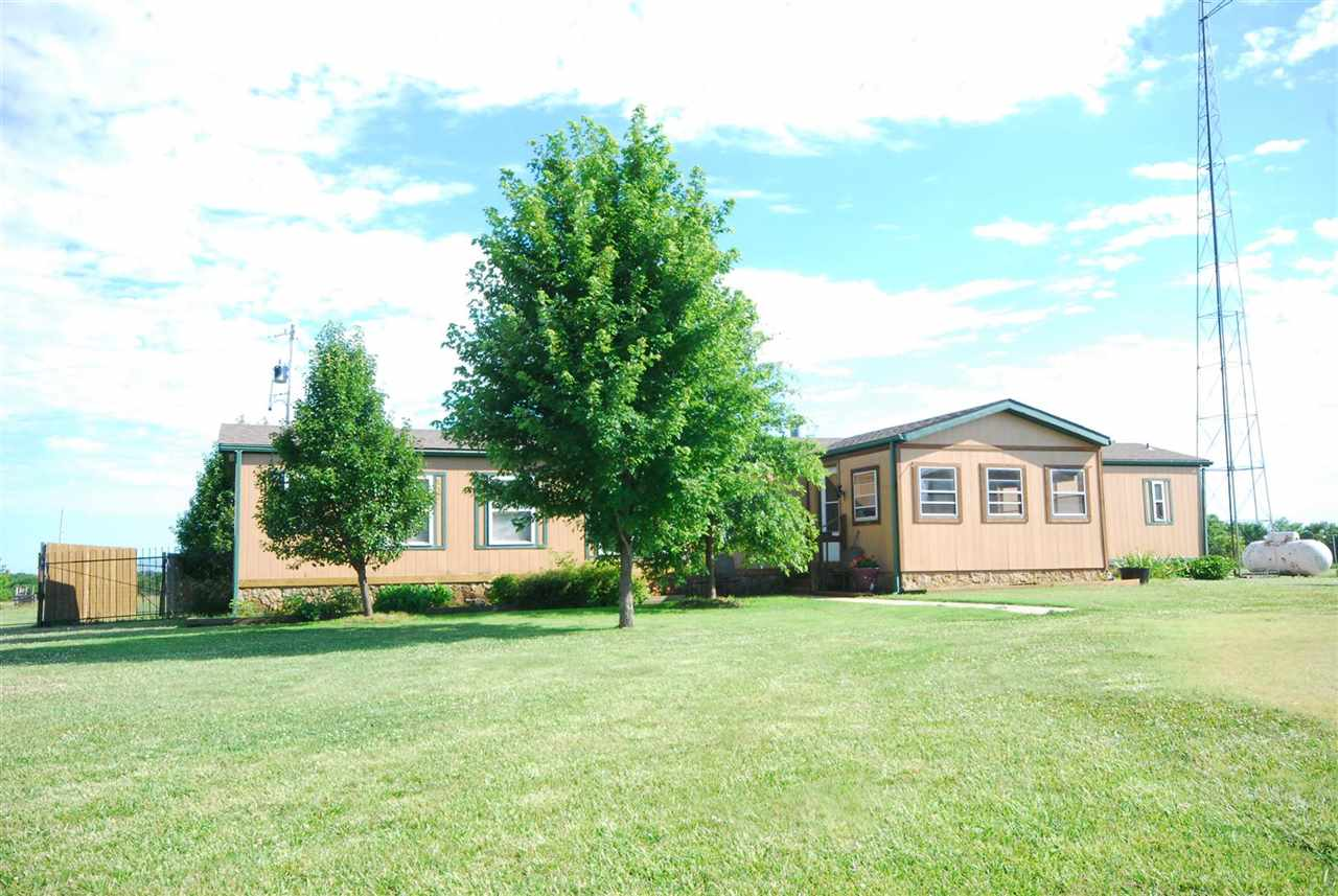 4831 72nd Rd, Udall, KS 67146