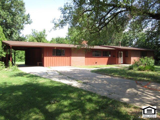 2254 N Yale Ave, Wichita, KS 67220