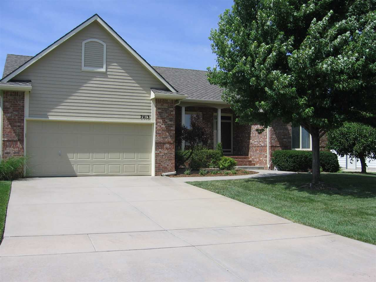 7413 E Cedaridge Cir., Wichita, KS 67226
