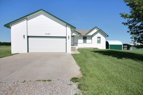 1255 E 101ST ST N, Valley Center, KS 67147
