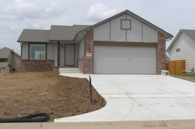 10950 W Hollywood Ct., Wichita, KS 67215