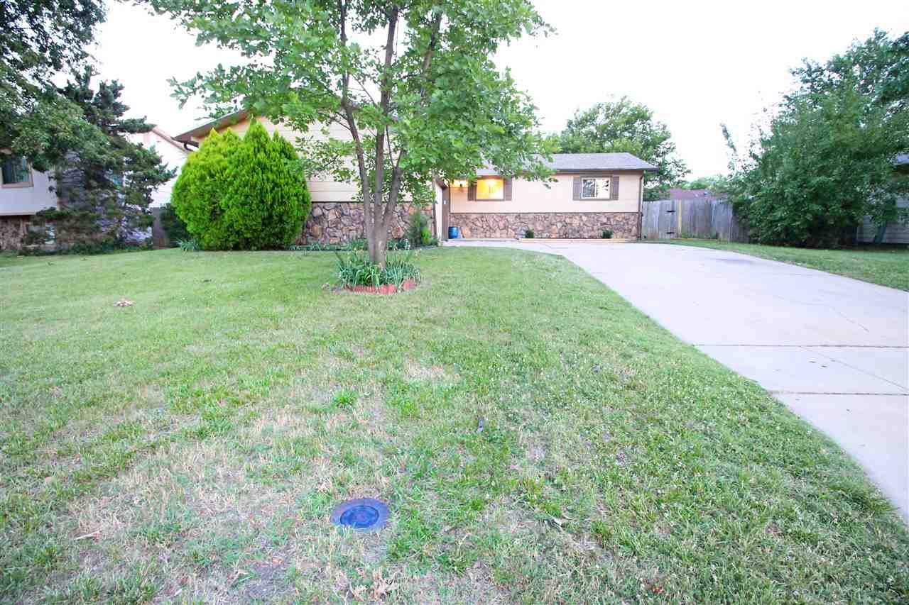 5731 Ayesbury Cir, Wichita, KS 67220