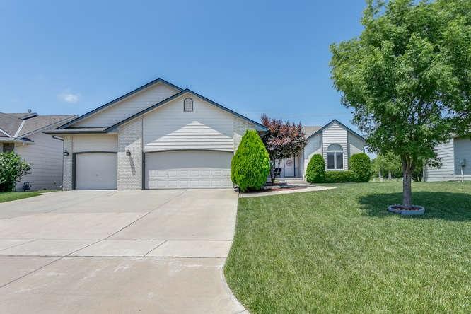 4331 N Barton Creek Circle, Wichita, KS 67226