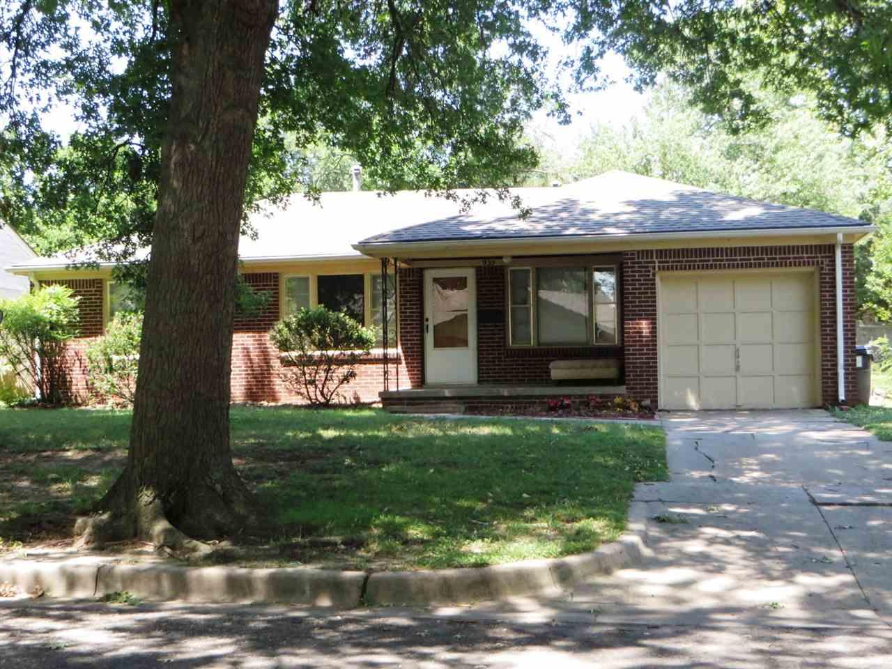 935 S Lexington Rd, Wichita, KS 67218