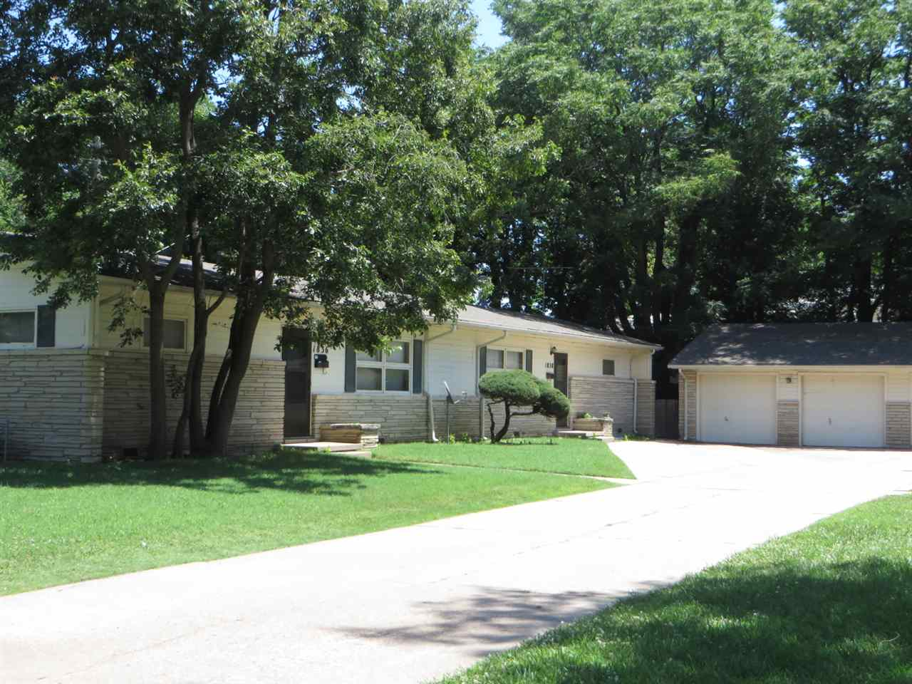 1836 S Lorraine Ave, Wichita, KS 67211