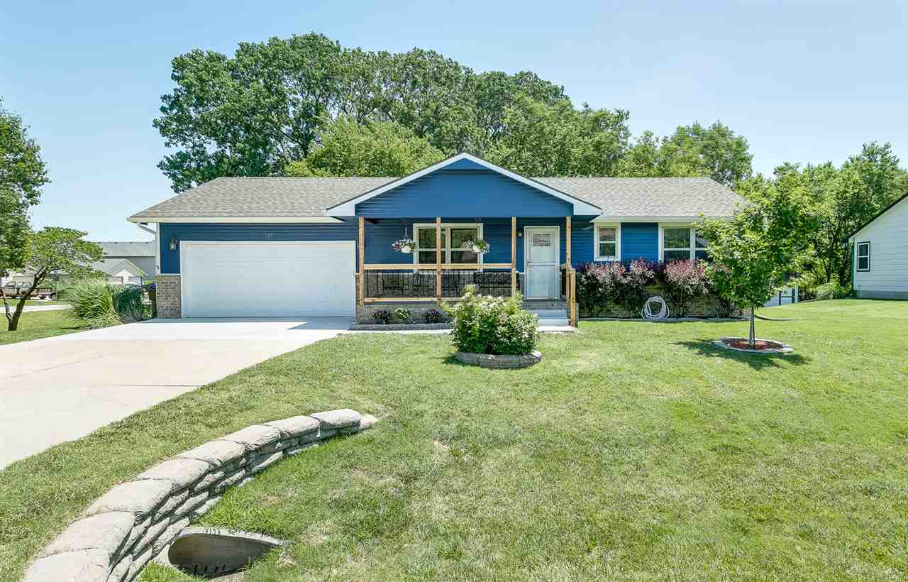 530 S Highland Dr, Andover, KS 67002