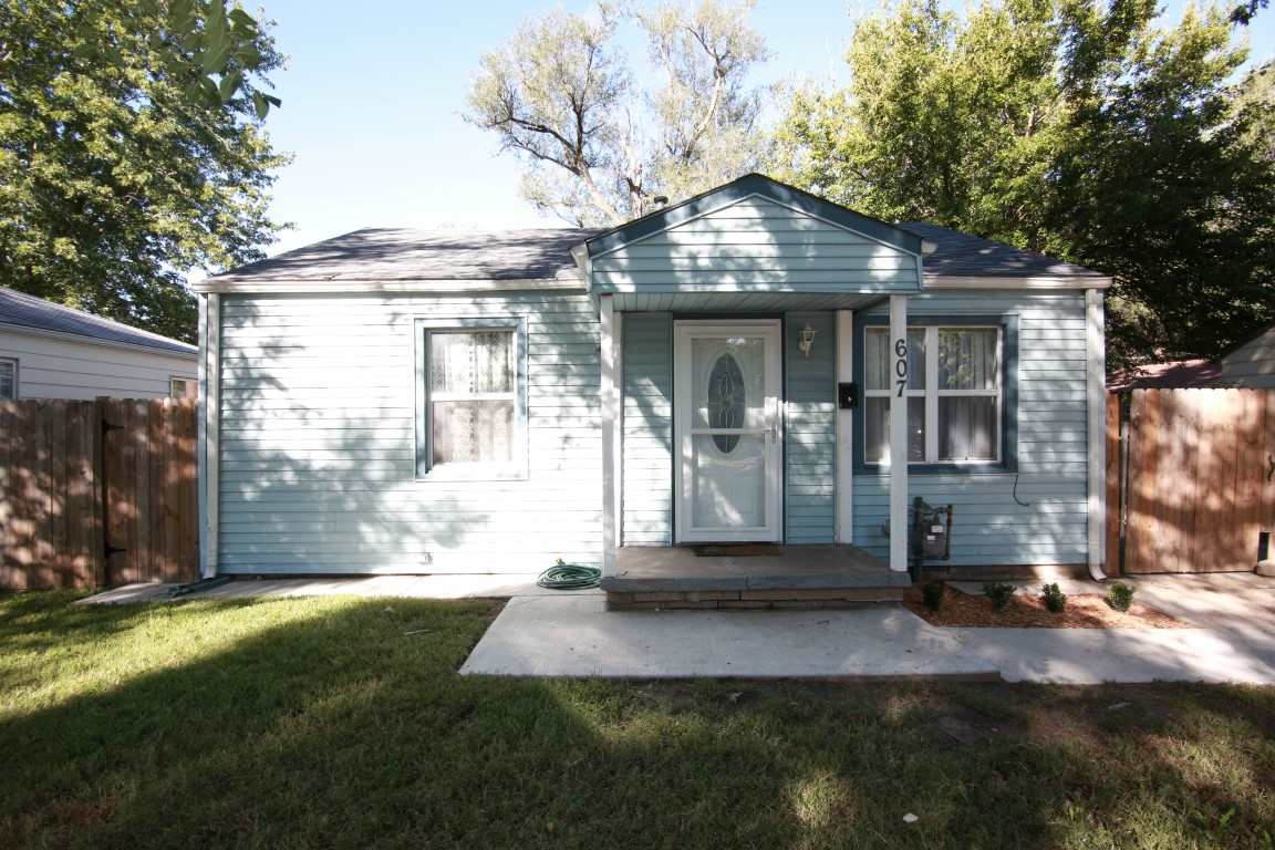 607 N Mt Carmel St, Wichita, KS 67203