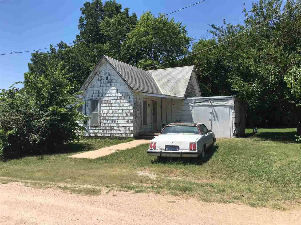511 Sherman St, Newton, KS 67114