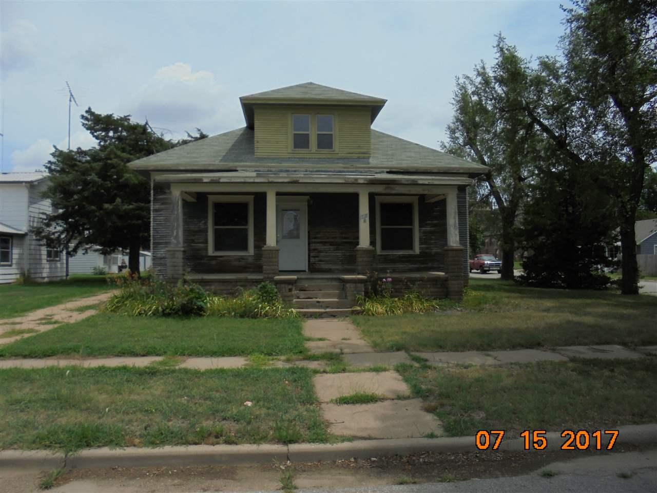 126 S Collingwood, Pretty Prairie, KS 67570