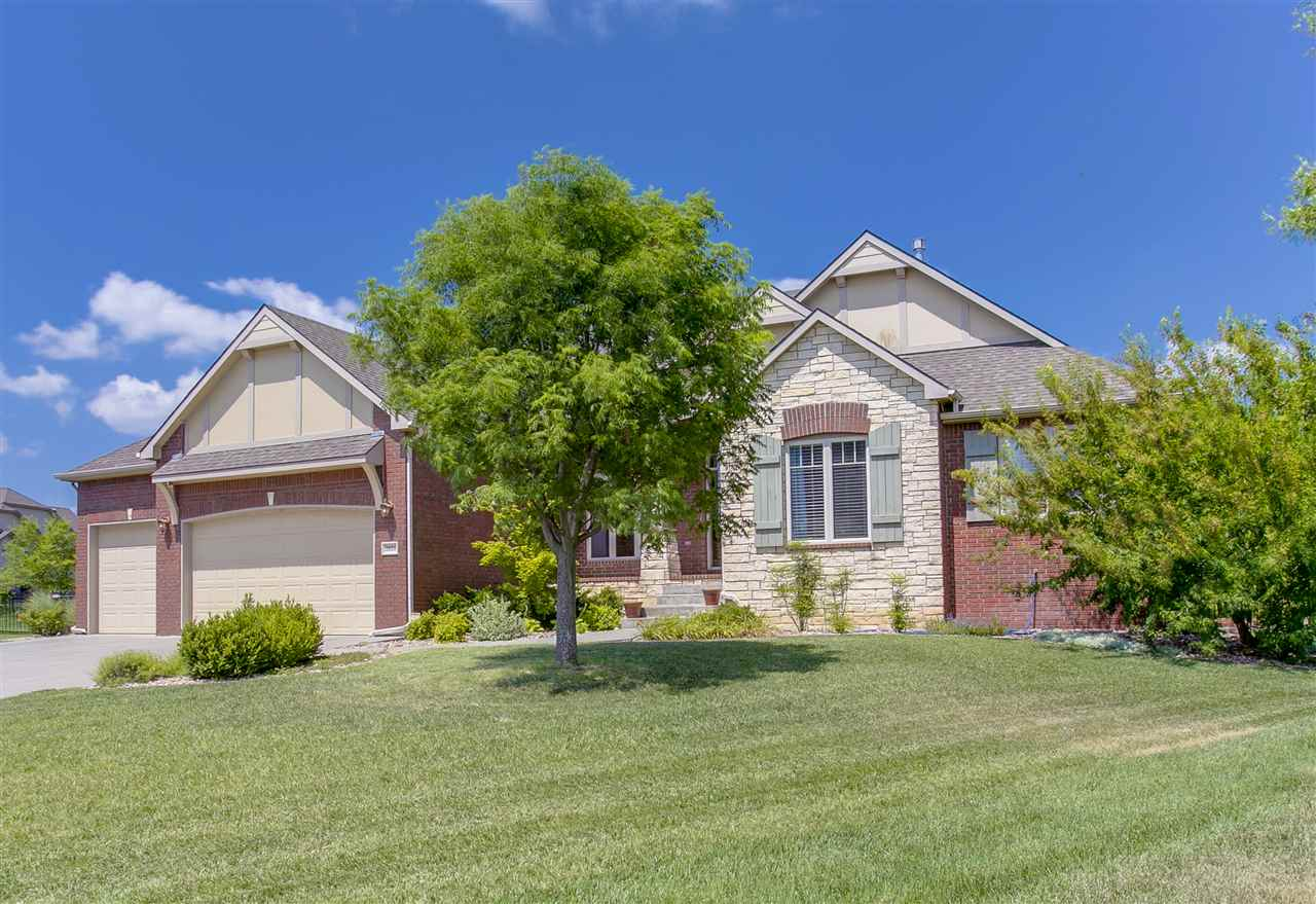 2021 N Glen Wood Ct, Wichita, KS 67230