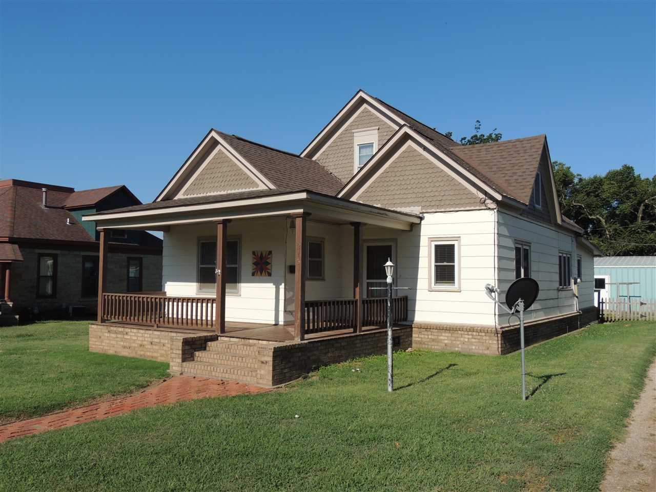 215 S MAIN ST, Caldwell, KS 67022
