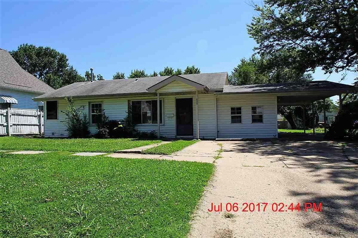 609 E 15th Ave, Winfield, KS 67156
