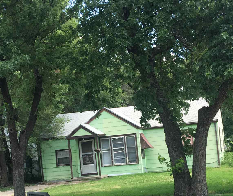 1918 N GROVE, Wichita, KS 67214