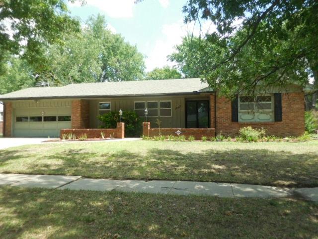 1902 FARMSTEAD ST, Wichita, KS 67208