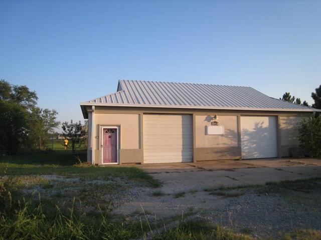 565 W Clay, Valley Center, KS 67147